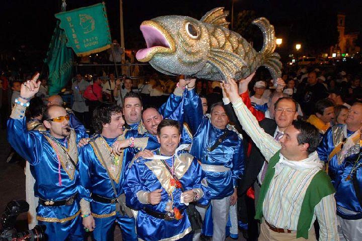 Resultado de imagen de Entierro de la Sardina en Murcia
