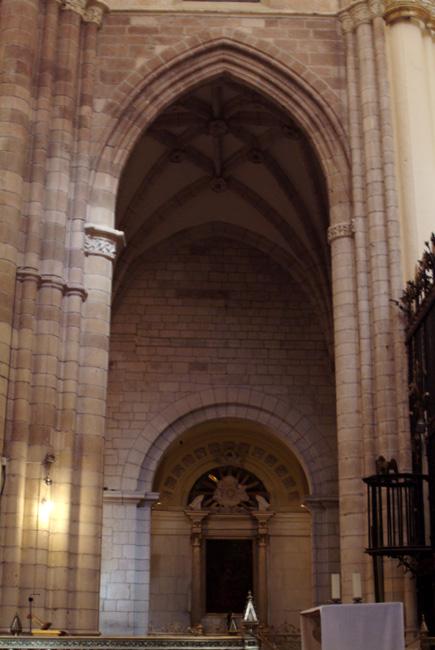 Iglesia catedral de santa mar a arquitectura regi n de for Arquitectura interior sl