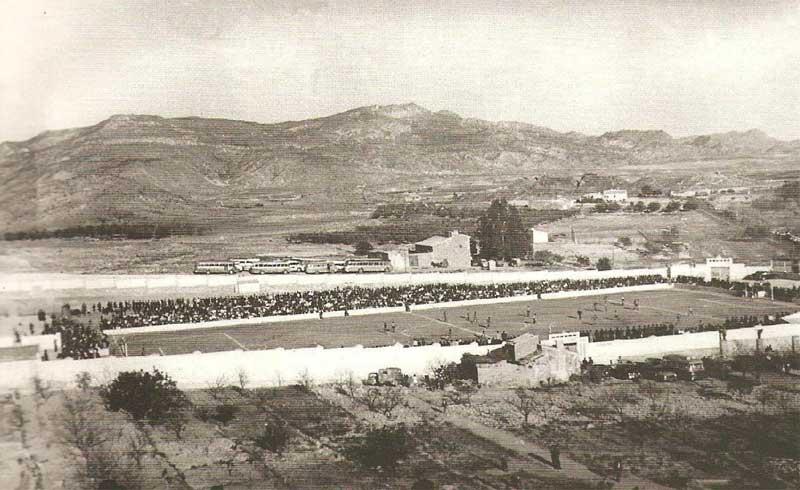 Vista del campo de Las Colonias hacia 1960