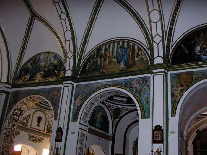 Iglesia de las tres ave mar as de los capuchinos for Arquitectura interior sl