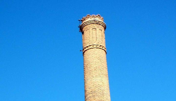 Chimenea de la f brica la molinera regi n de murcia digital for Fabrica de chimeneas