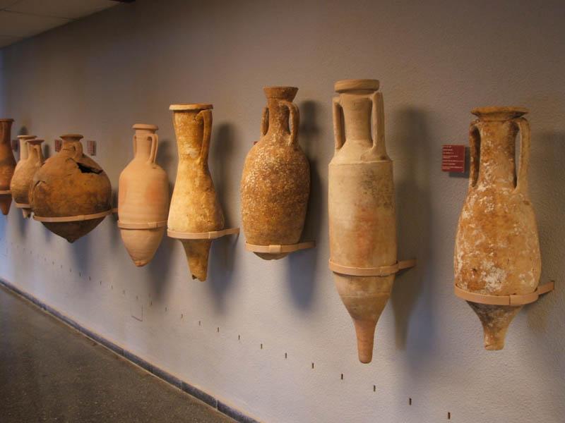 Ánforas  romanas en el Museo de Arqueología Submarina [Cartagena_San Antonio Abad]