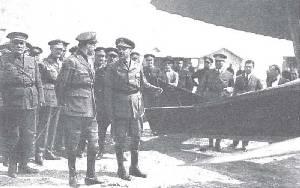 Alfonso XIII, en el aeródromo de Los Alcázares